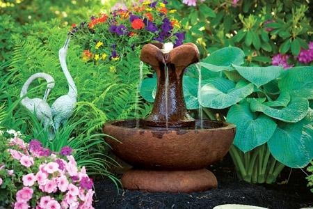 Small Clover LeafCement Fountain