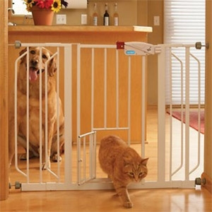 Carlson Pet Products Extra Wide Pet Gate w/ Pet Door