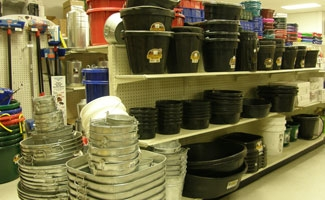 Pails, Tubs & Feeders