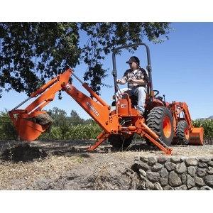 Kubota B21 Tractor w/ Backhoe