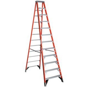 Werner Ladder, 7412 12' Fiberglass Stepladder