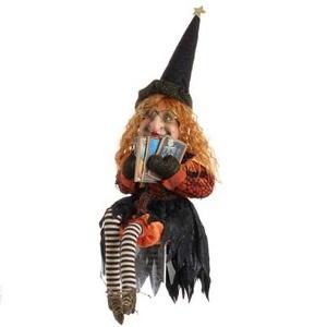 Raz Sitting Witch