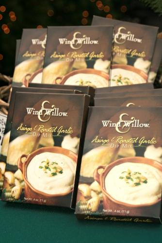 Wind & Willow Asiago Garlic Dip