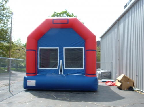 Bounce House, Barn